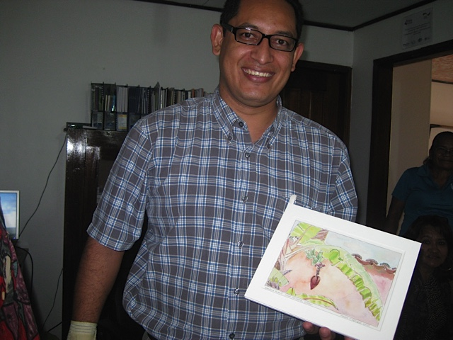 Edwin Escoto with a painting of a plantain by Mary Procter. During the trip we learned that Edwin believes art has the potential to be an important element of the Vecinos program to encourage self-awareness and empowerment. Unfortunately there isn't have much funding for it. Mary and Bill hope to share ideas from some of the projects TCP travelers have led during past trips to the TCP communities.