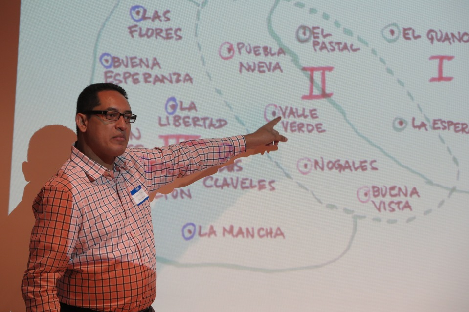 Edwin Escoto explains how the Vecinos Honduras program expands into neighboring communities.