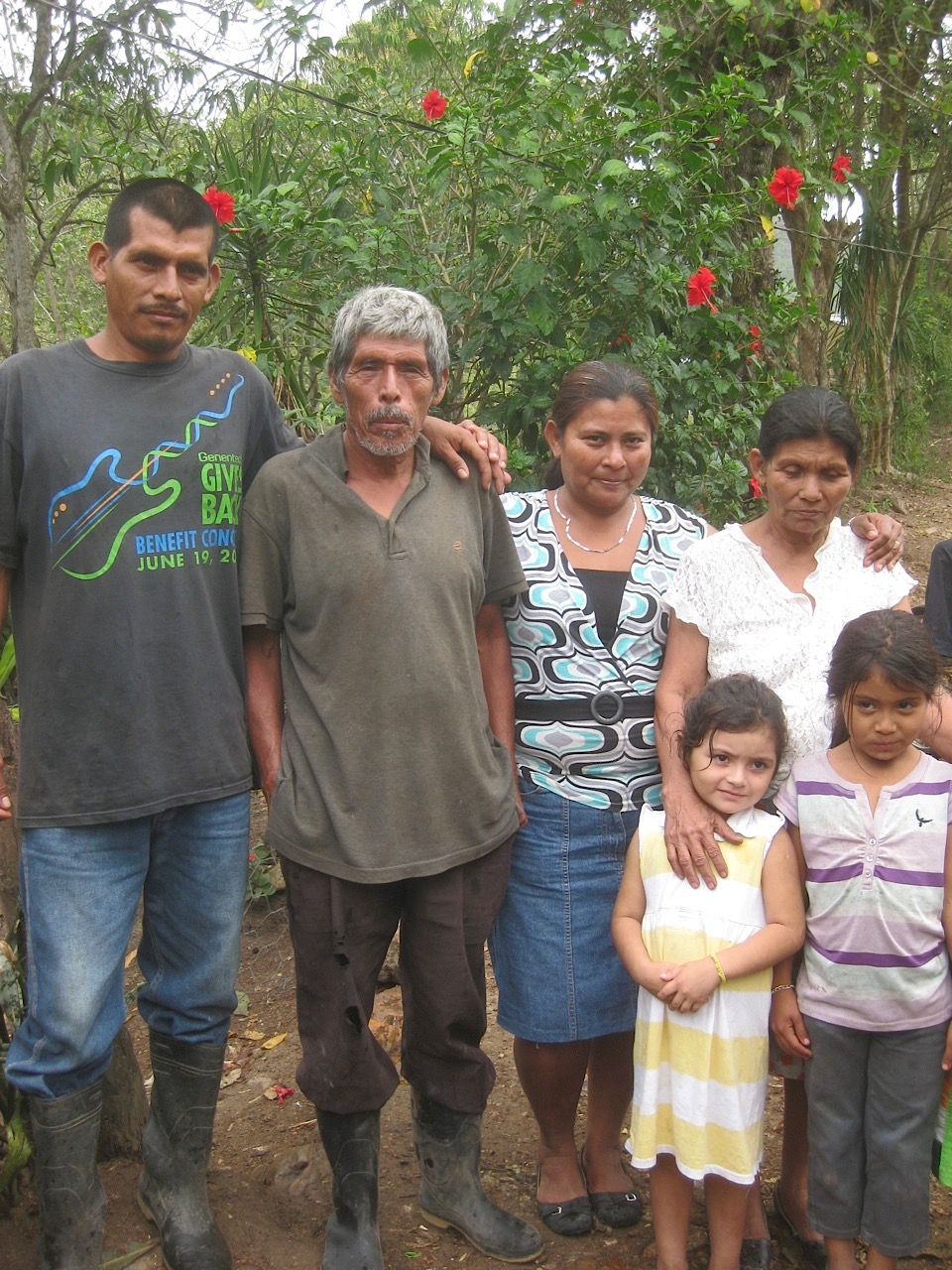 Jose, 2nd from left, and Catalina, 4th from left, with children and grandchildren.